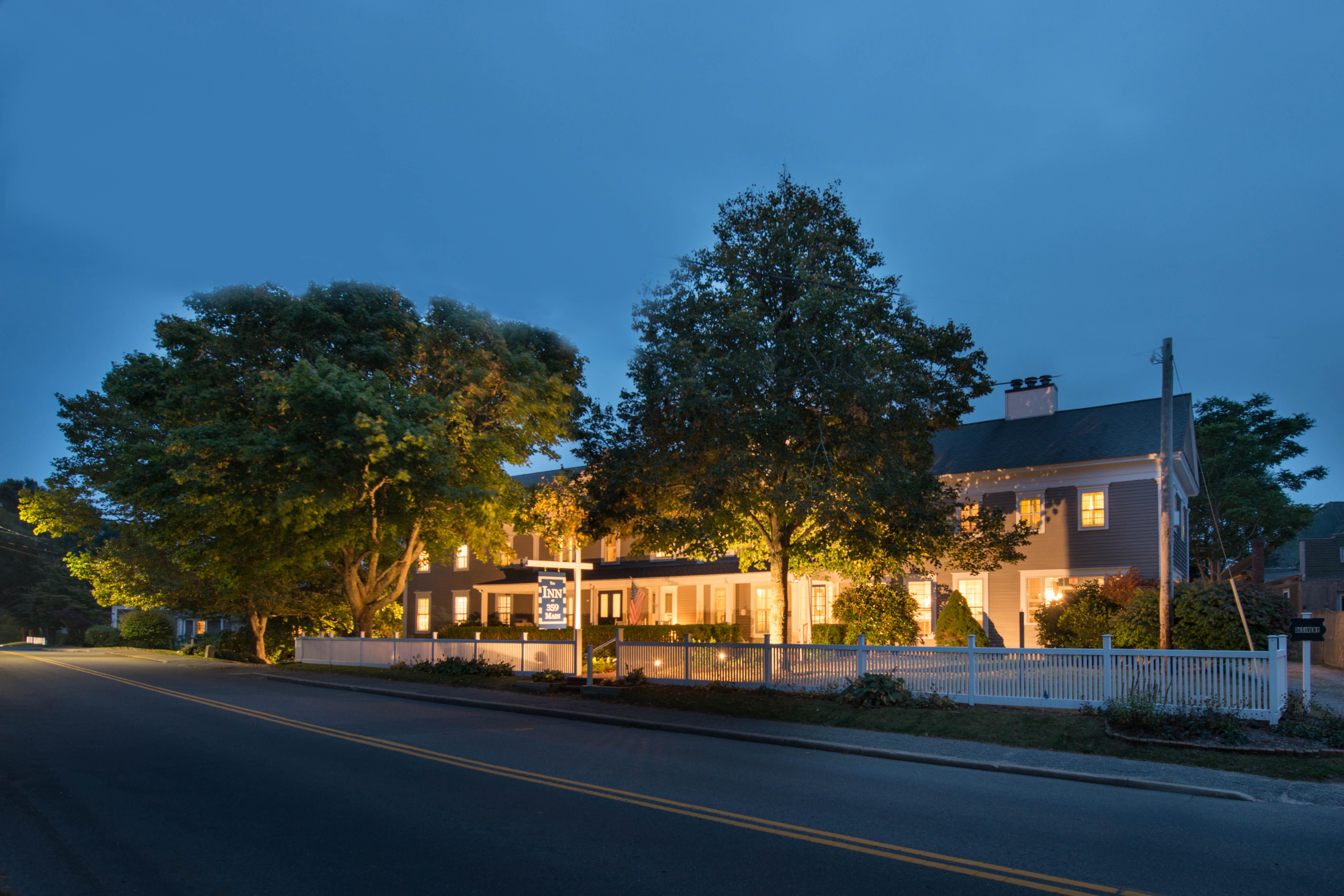 Chatham hotel 1 in tripadvisor chatham inn at 359 main for The chatham