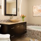 Room 11 two person soaking tub