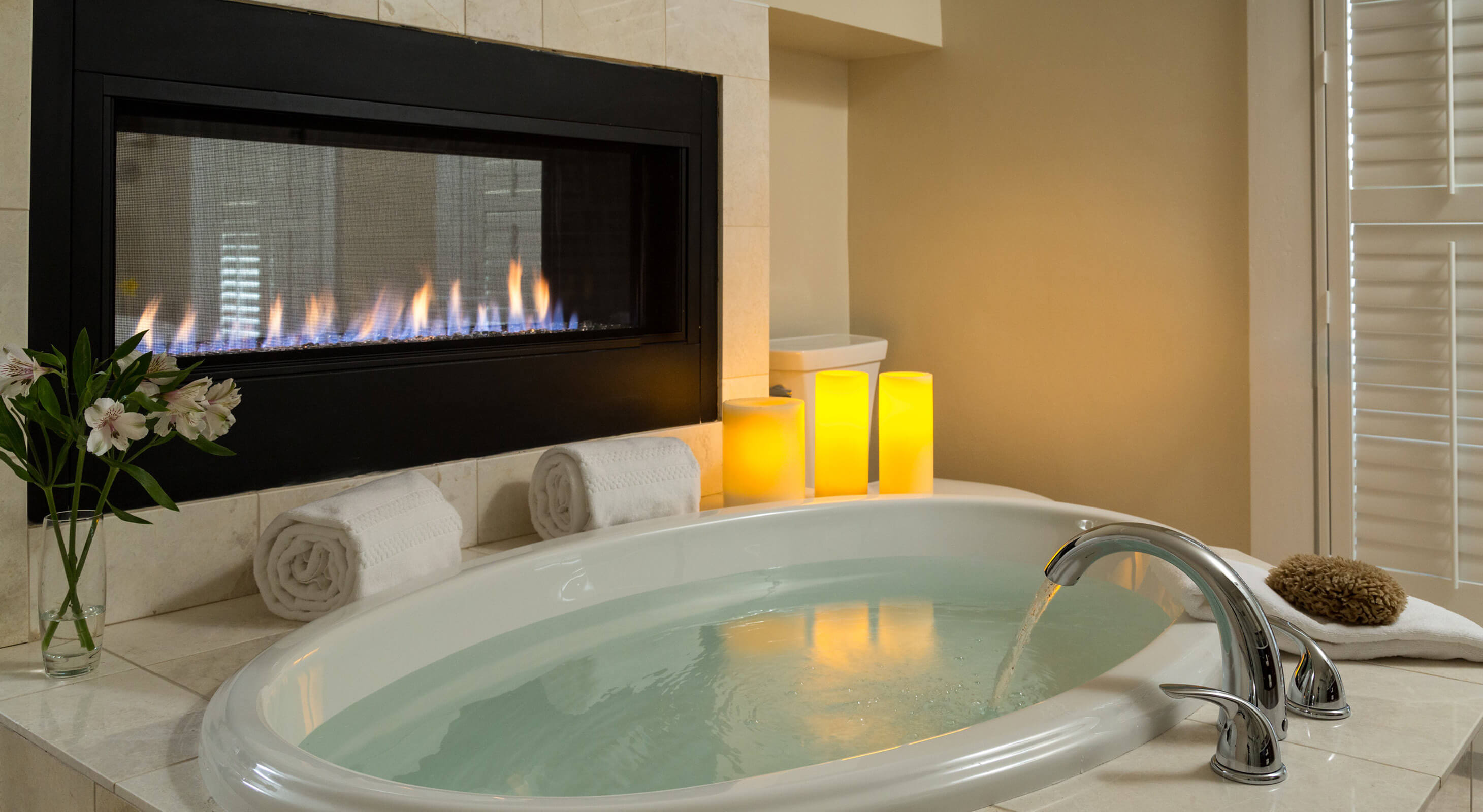 Room 7 soaking tub and fireplace